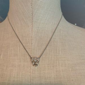 Scull necklace